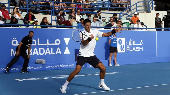 Novak protiv Vavrinke u polufinalu egzibicije u Abu Dabiju